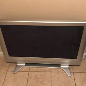 Flat screen 36in television